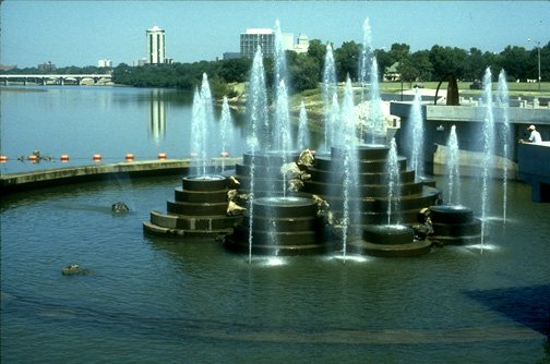 riverparks fountain